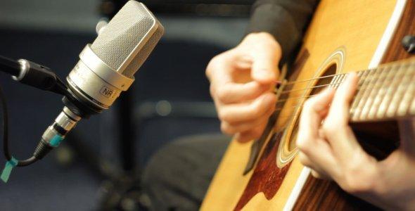 Recording_Acoustic_Guitar_原声今天录音_拨片网.jpg