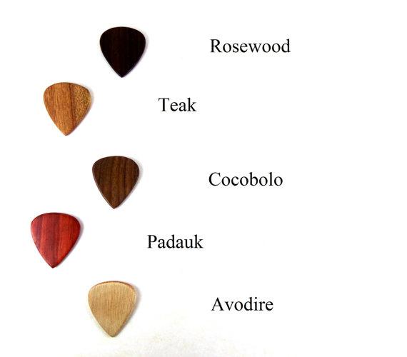 拨片网_手工_吉他拨片_Wood_Guitar_Picks,_Exotic_Wood_Picks,_Wooden_Guitar_Picks,_Handmade_Wood_Guitar_Picks,_Gifts_for_Musicians,_Guitar_Player_Gifts,_Wood_Picks_(5).jpg