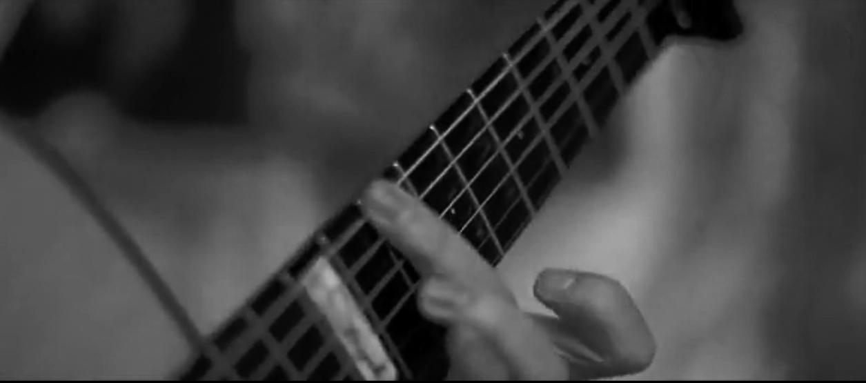 原声吉他视频精选:意大利指弹吉他手_Luca_Stricagnoli_翻弹_AC_DC《_Thunderstruck_()_》.png