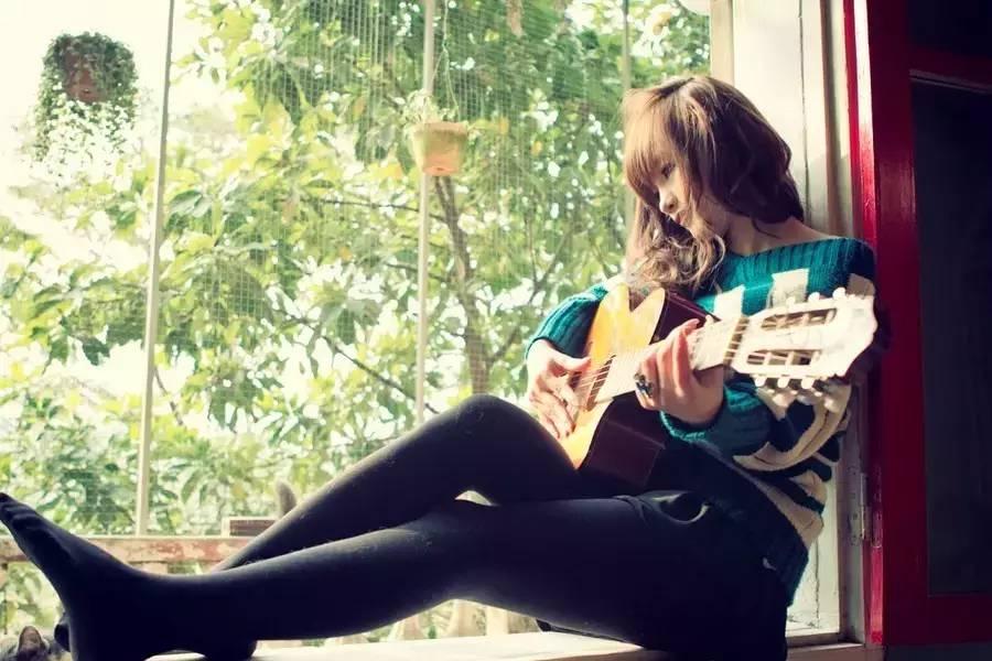 谁说凡事不易过度,这一百条吉他技巧能助你撸多不伤身.jpg