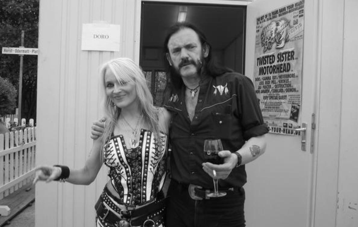音乐视频_@_拨片网_Doro_And_Lemmy_-_It_Still_Hurts_摇滚电视台.jpg