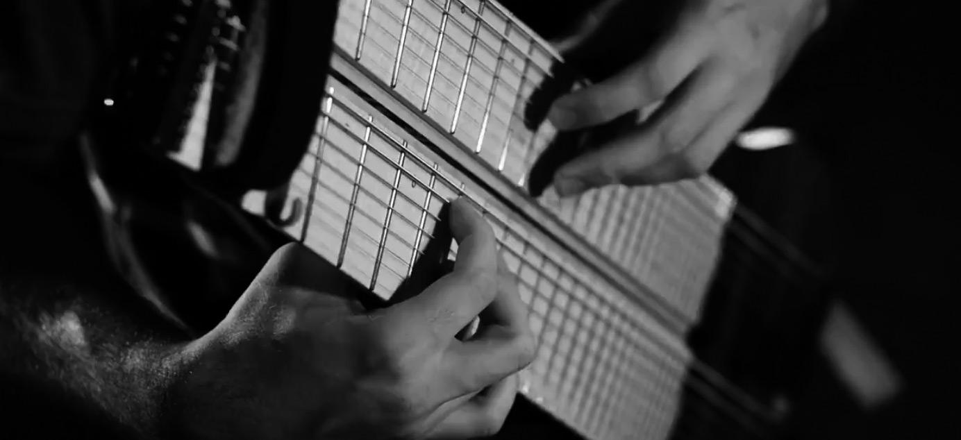 电吉他视频_@_拨片网_Felix_Martin_-_Flashback.jpg