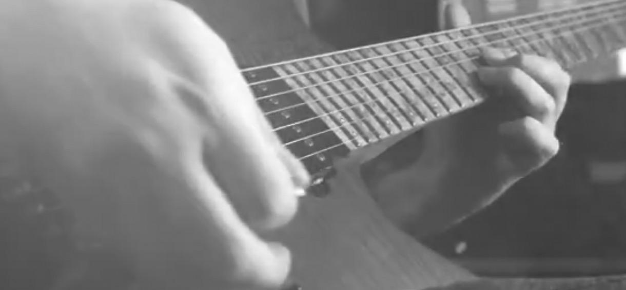电吉他视频_@_拨片网_David_Maxim_Micic_-_Nostalgia.jpg