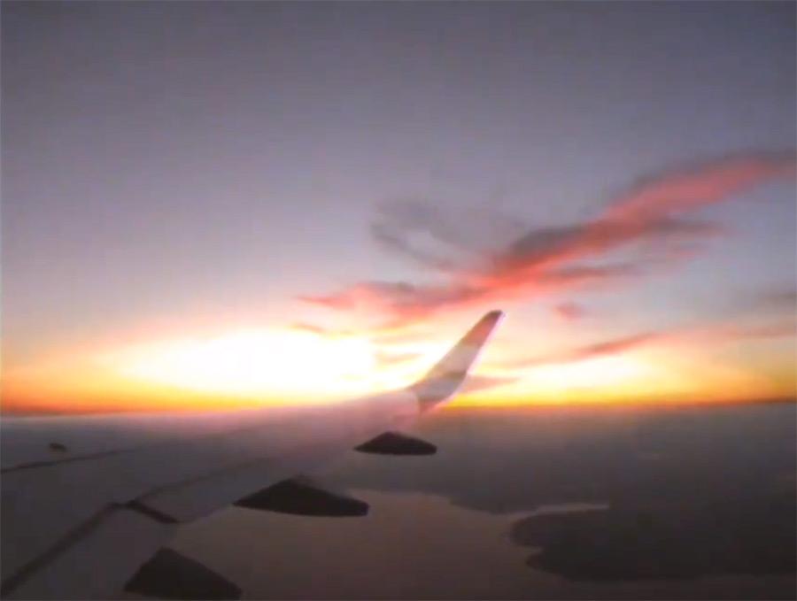 音乐视频_@_拨片网_The_Night_Flight_Orchestra_-_Cant_Be_That_Bad.jpg