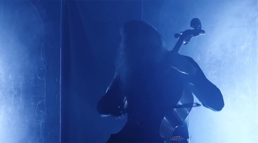 现场_@_拨片网_芬兰APOCALYPTICA大提琴翻奏Enter_Sandman现场.jpg