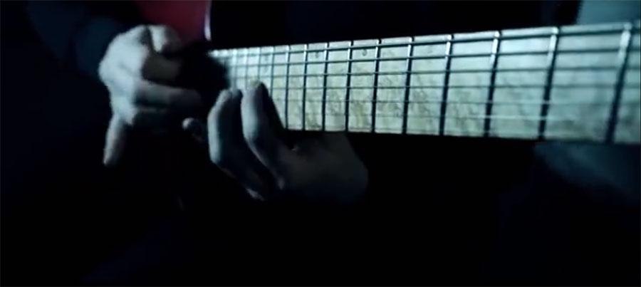 电吉他视频_@_拨片网_Brian_James_Aenimus_The_Dark_Triad.jpg