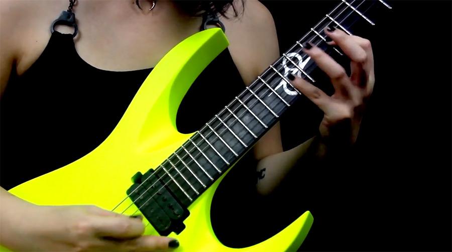 美女电吉他视频@拨片网Suri_IP_-_Snake_Hearts.jpg
