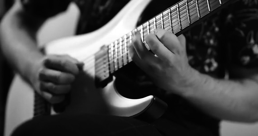 电吉他视频@拨片KASSOGTHA_–_Pale_Horizon.jpg